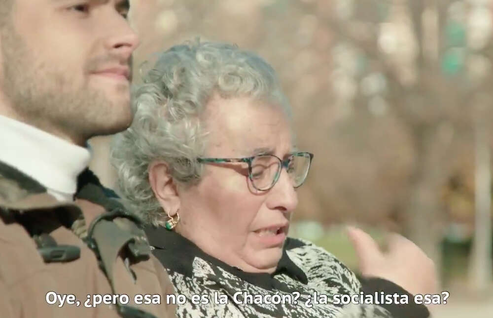 Captura del polémico vídeo de precampaña, donde se compara a Carme Chacón con Àngels Chacón