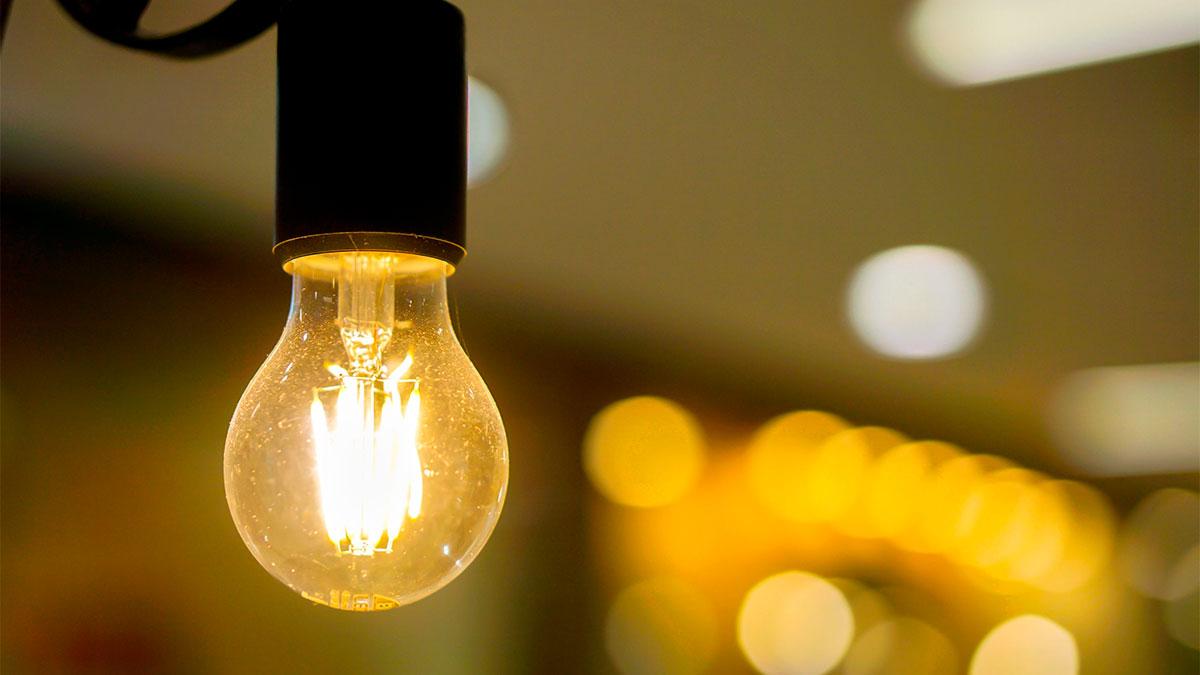 El nuevo descenso en el precio de la luz no evitará el sábado más caro de la historia