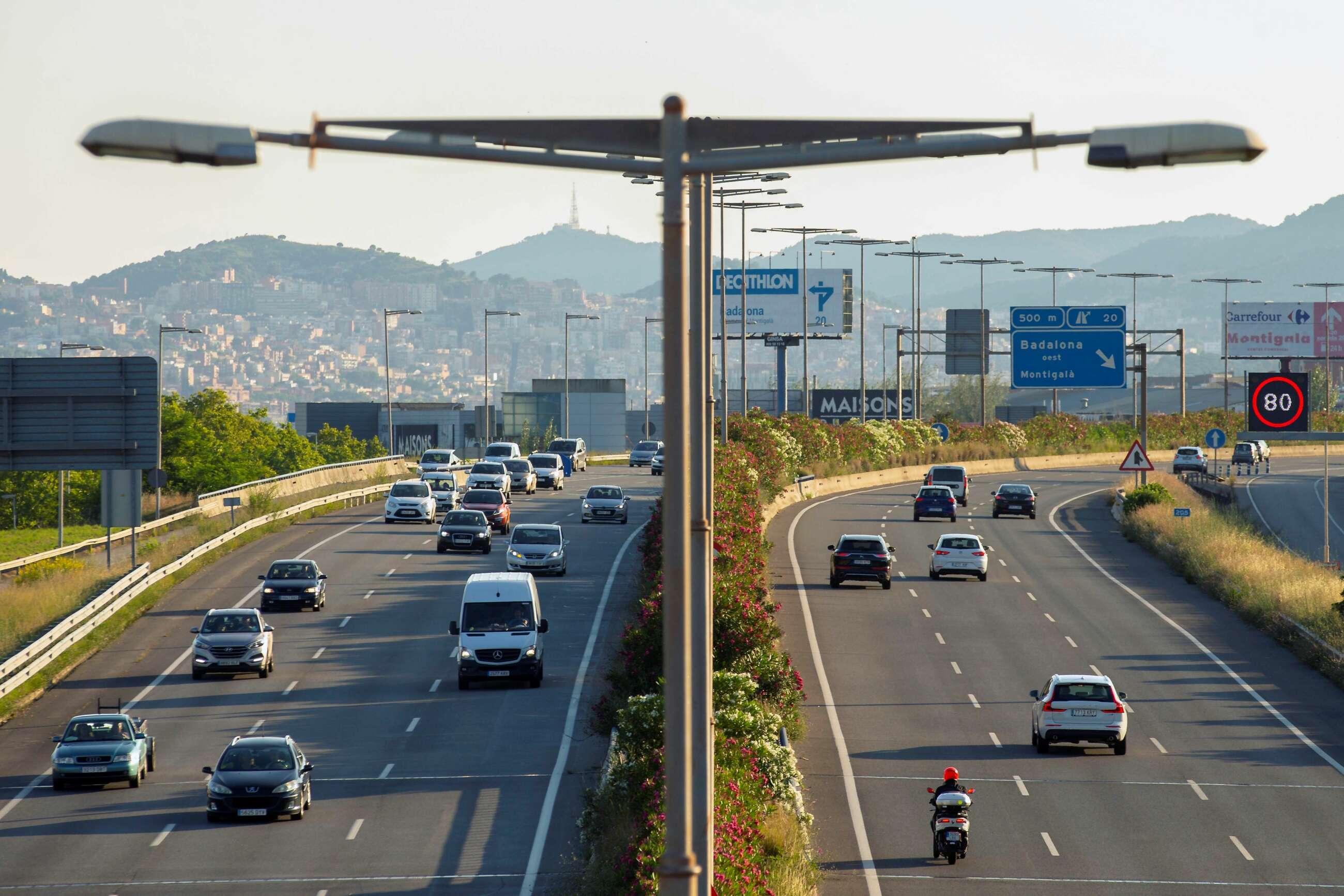 Una autopista en Barcelona. EFE