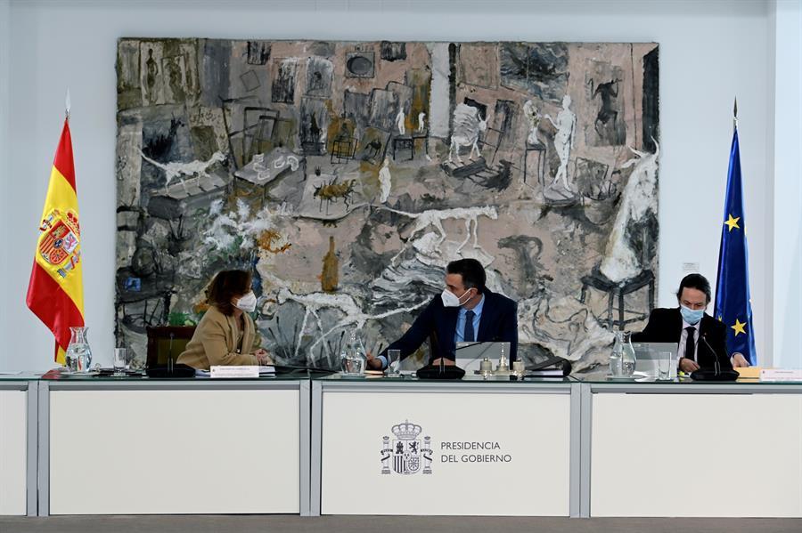 El Consejo de Ministros, presidido por Pedro Sánchez, se reunió este martes mientras, en paralelo, el TSJC suspendía el decreto de aplazamiento a mayo de las elecciones catalanas