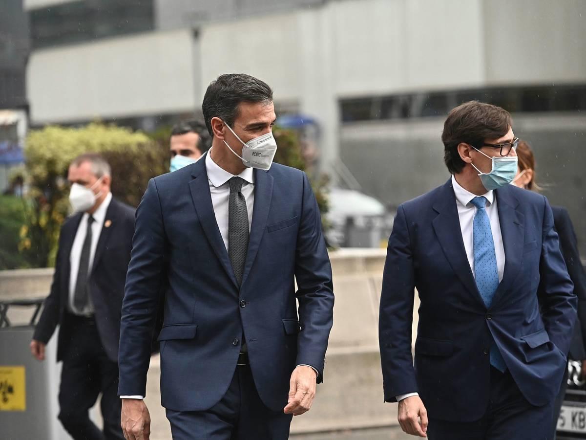 Pedro Sánchez y Salvador Illa./ EFE