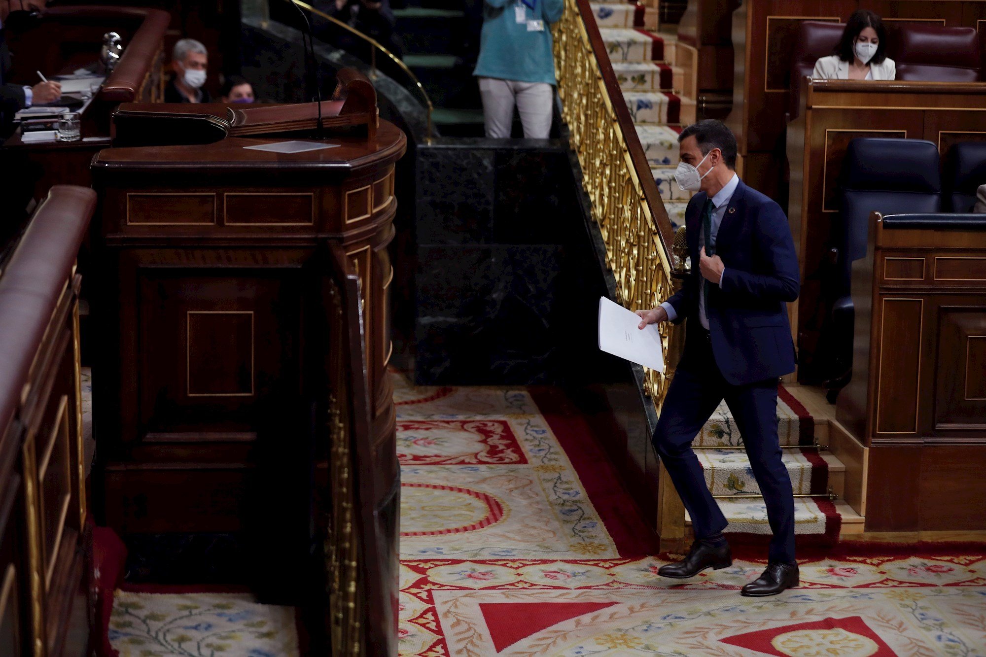 El presidente del Gobierno, Pedro Sánchez antes de su intervención este miércoles a la sesión de control en el Congreso de los Diputados. EFE/Emilio Naranjo