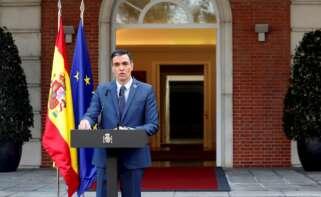El presidente del Gobierno, Pedro Sánchez comparece tras participar en la reunión telemática del Consejo Europeo extraordinario, hoy en el Palacio de la Moncloa. EFE/ Emilio Naranjo