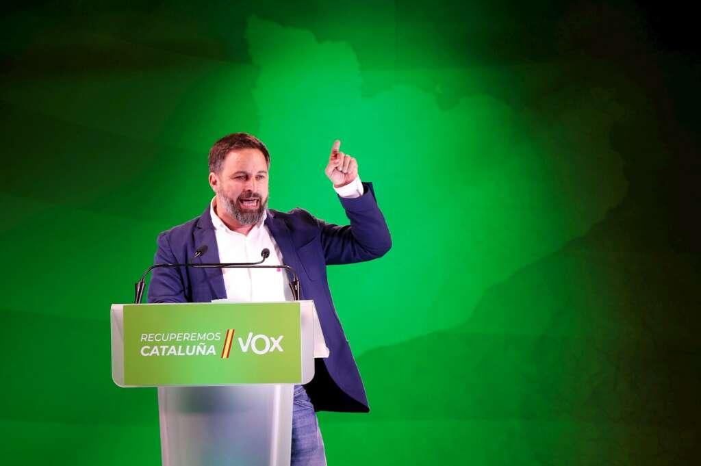 El presidente de Vox, Santiago Abascal, durante el acto final de campaña de las elecciones catalanas del 14F que celebran este viernes en Barcelona. EFE/Alejandro García