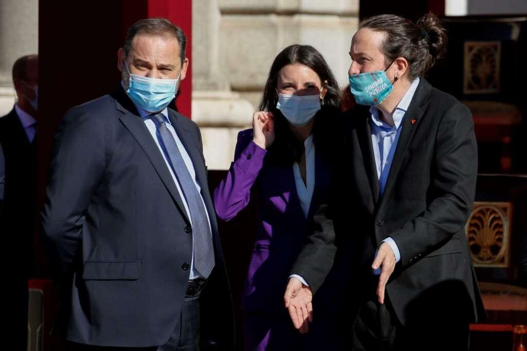 Los ministros José Luis Ábalos, Irene Montero y Pablo Iglesias./ EFE