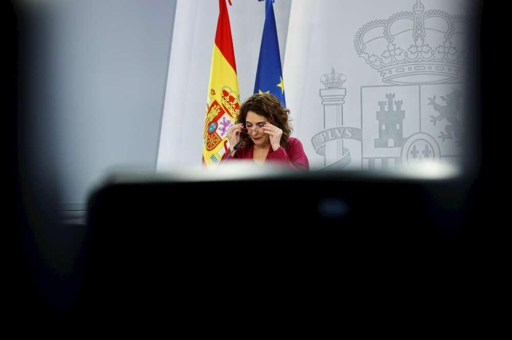 La portavoz del Gobierno y ministra de Hacienda, María Jesús Montero, durante la rueda de prensa posterior al Consejo de Ministors celebrado este martes en Moncloa. EFE/Zipi