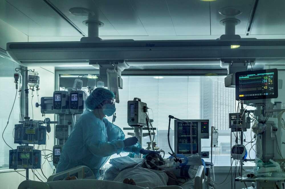 UCI del Hospital Universitario de Bellvitge para pacientes covid. EFE/Toni Albir