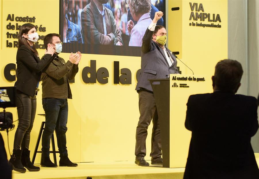 El líder de ERC, Oriol Junqueras, en un mitin protagonizado en el pabellón de Els Magraners de Lleida