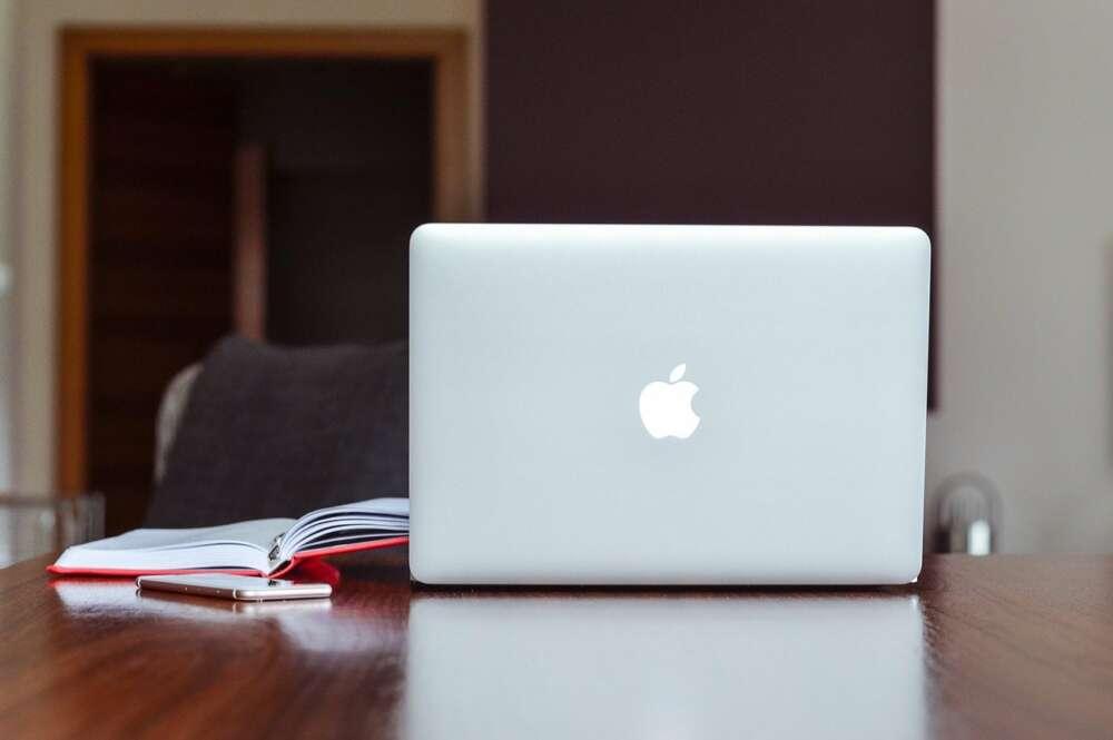 50 millones de dólares para que no se filtren planos y esquemas de MacBooks inéditos: así están extorsionando unos ciberdelincuentes a uno de los proveedores de Apple.