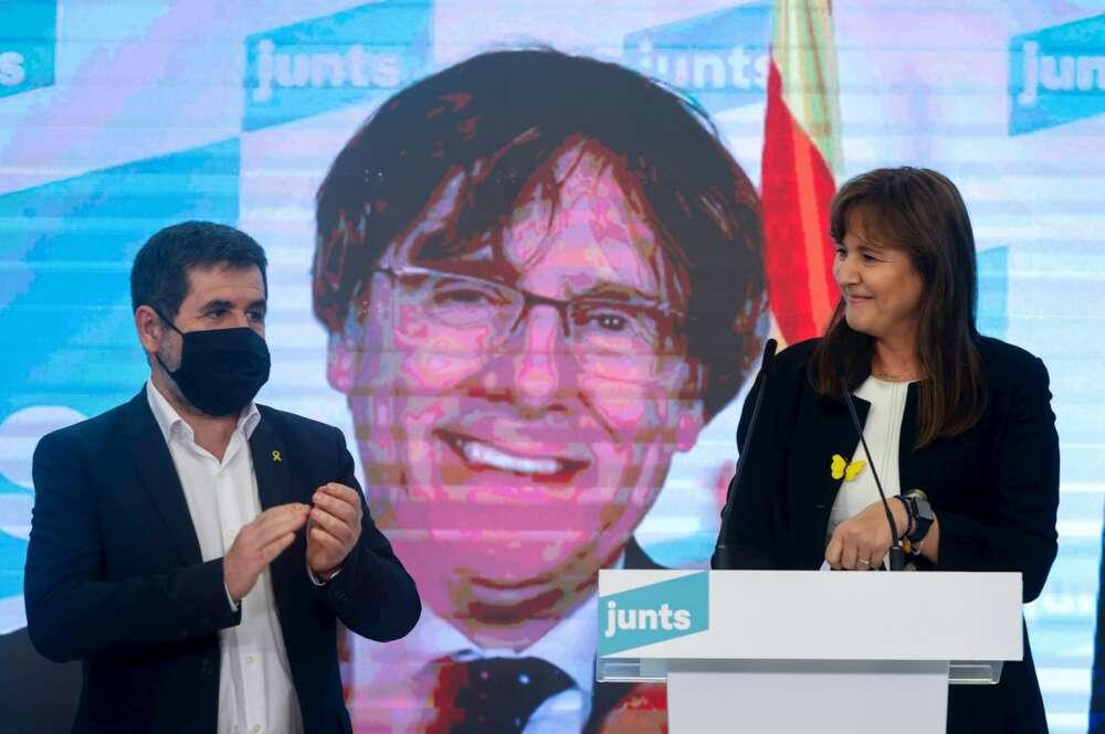 Jordi Sànchez, Carles Puigdemont (vía telemática) y Laura Borràs durante la valoración de los resultados de las elecciones catalanas del 14 de febrero de 2021, en Barcelona   EFE/QG