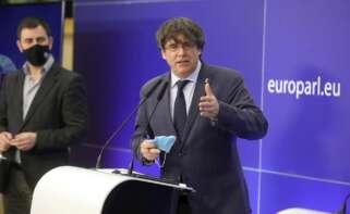 Carles Puigdemont en una rueda de prensa en Bruselas el 24 de febrero de 2021, día en que la comisión de asuntos jurídicos de la Eurocámara dio luz verde a levantar su inmunidad parlamentaria   EFE/EPA/OH