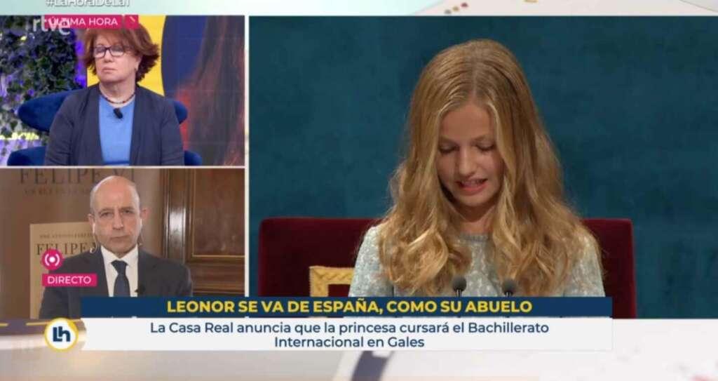 El polémico rótulo de 'La hora de La 1' con la leyenda 'Leonor se va de España, como su abuelo', emitido el 10 de febrero de 2021 en TVE   RTVE