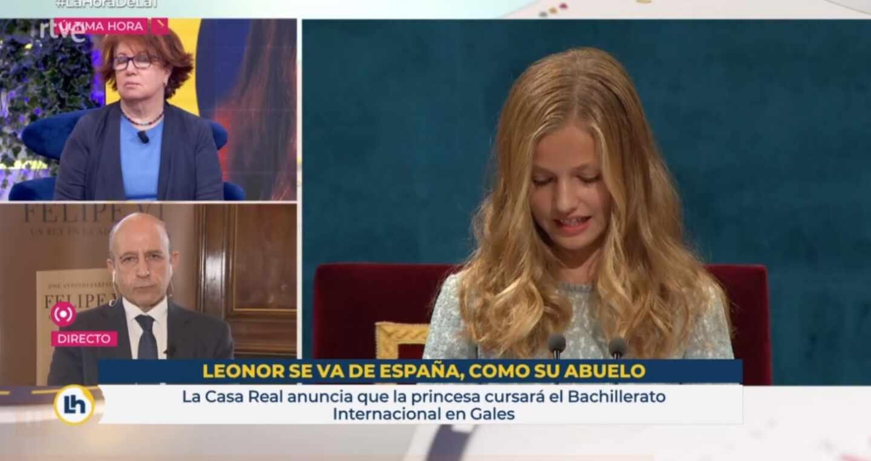 El polémico rótulo de 'La hora de La 1' con la leyenda 'Leonor se va de España, como su abuelo', emitido el 10 de febrero de 2021 en TVE | RTVE