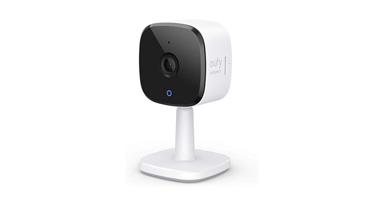 La cámara de seguridad inteligente eufy Security 2K, disponible en Amazon