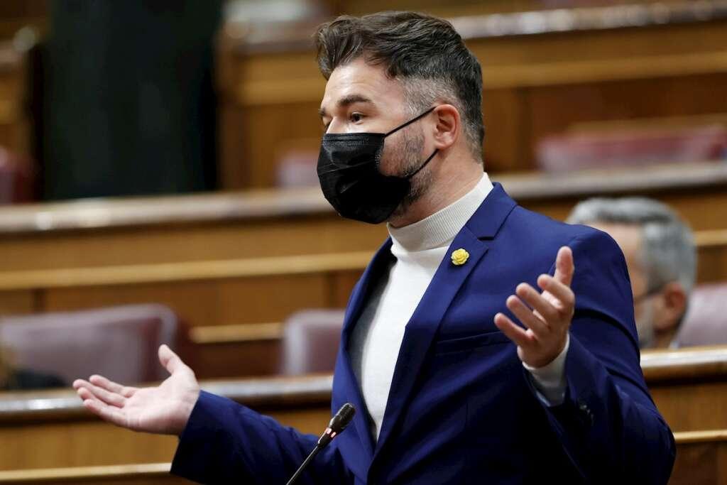 El portavoz de ERC, Gabriel Rufián interviene en la sesión de control al Gobierno, este miércoles, en el Congreso de los Diputados. EFE/Mariscal