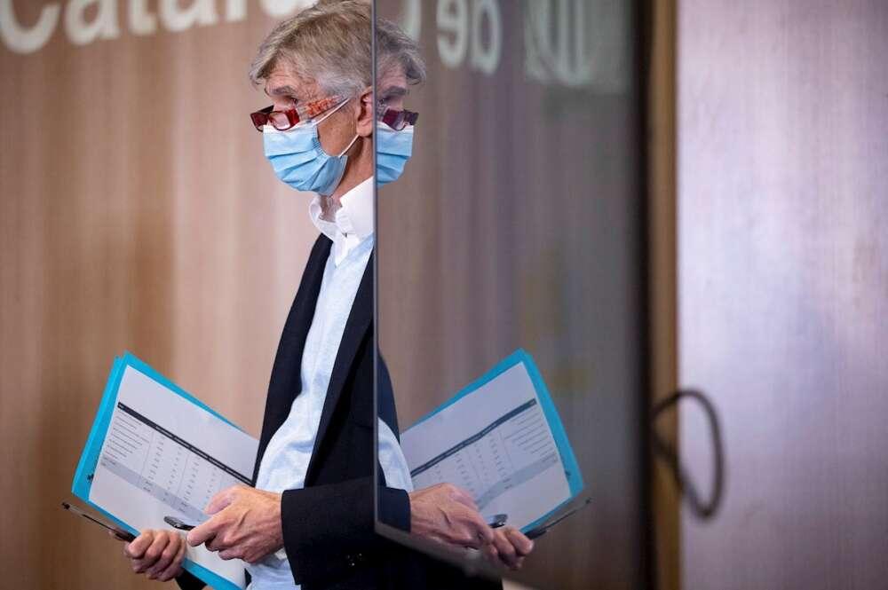 """El secretario de Salud Pública de Cataluña, Josep Maria Argimon, en una rueda de prensa en Barcelona, el 23 de marzo de 2021. El epidemiólogo pide """"cabeza fría"""" a la población para evitar una """"explosión"""" de contagios a la vuelta de Semana Santa   EFE/QG/Archivo"""