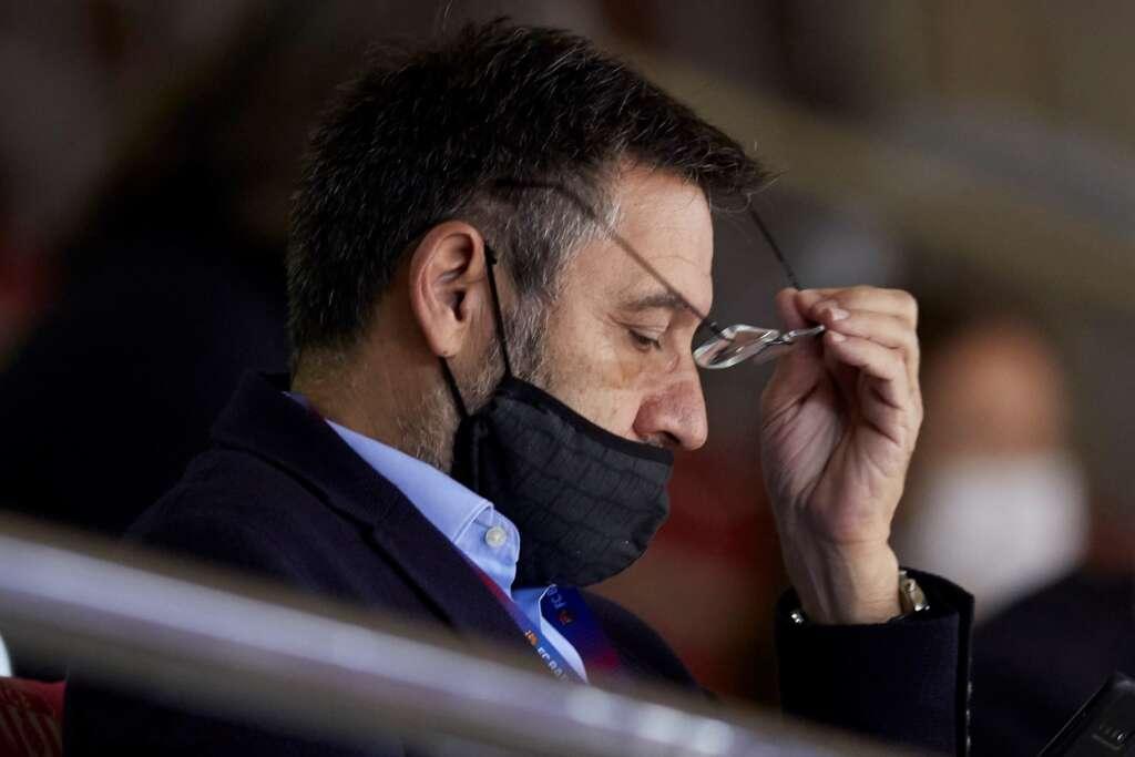 El expresidente del FC Barcelona, Josep María Bartomeu, asiste al partido que les enfrenta al Panathinaikos