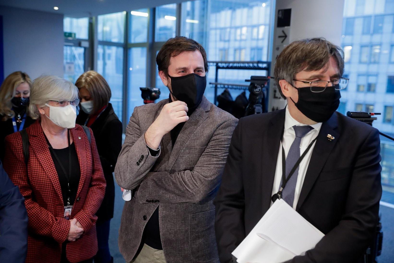 Clara Ponsatí, Toni Comín y Carls Puigdemont en el Parlamento Europeo, en Bruselas, el 14 de enero de 2021 | EFE/EPA/SL/Archivo