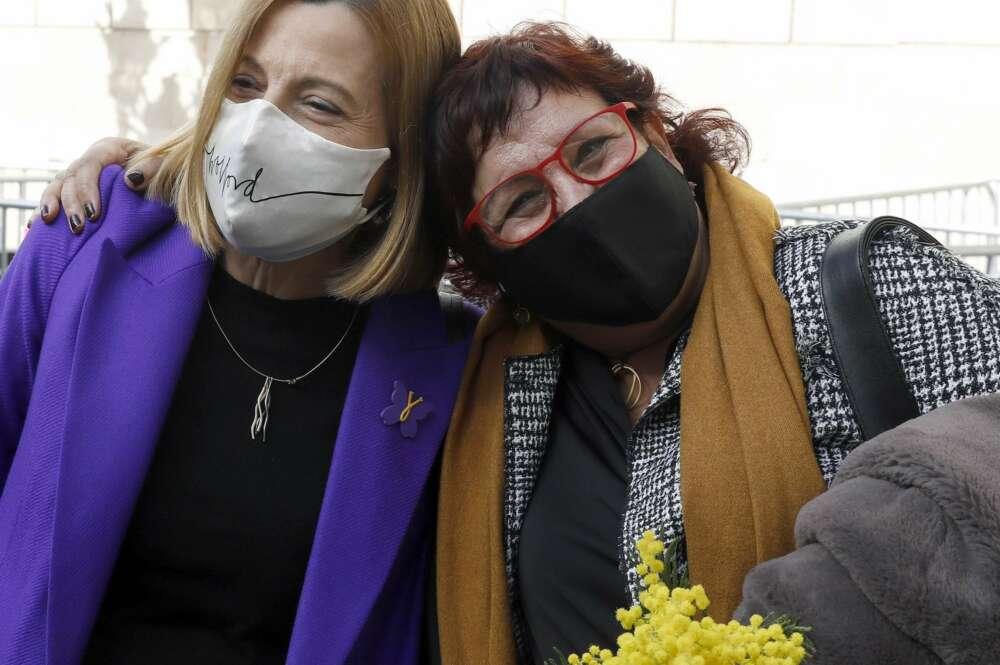 Carme Forcadell y Dolors Bassa participaron en la campaña electoral de Esquerra Republicana al 14-F, aprovechando su régimen de semilibertad concedido por la Generalitat y recurrido por la Fiscalía | EFE/Archivo