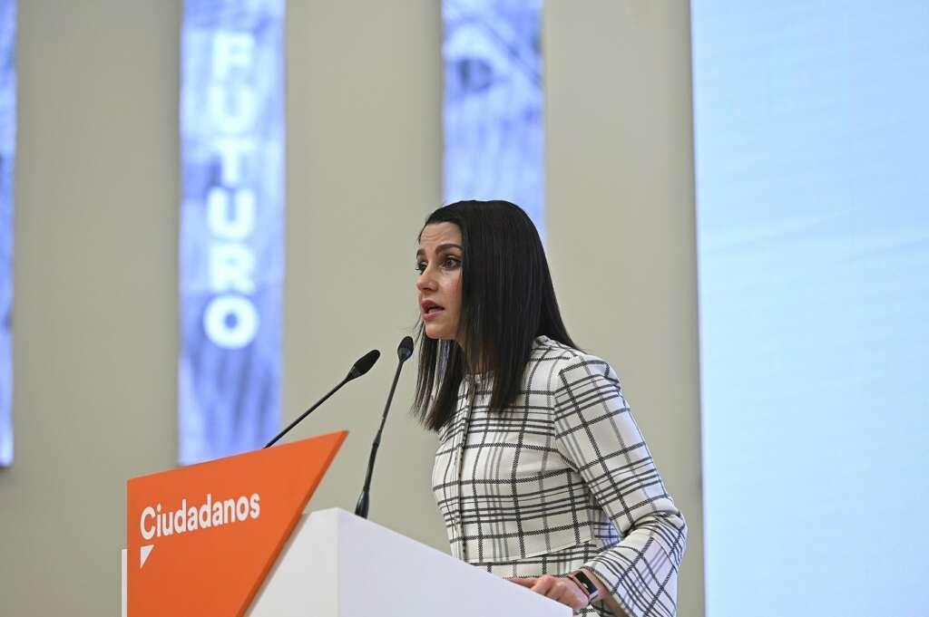 La líder de Ciudadanos, Inés Arrimadas, en una rueda de prensa el 16 de febrero de 2021, en Madrid | EFE/FV/Archivo
