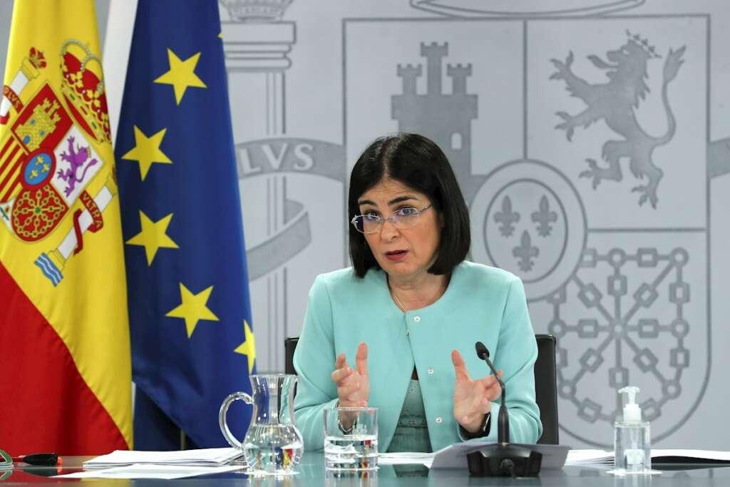La ministra de Sanidad, Carolina Darias, durante una rueda de prensa, el 17 de marzo de 2021 | EFE/KH