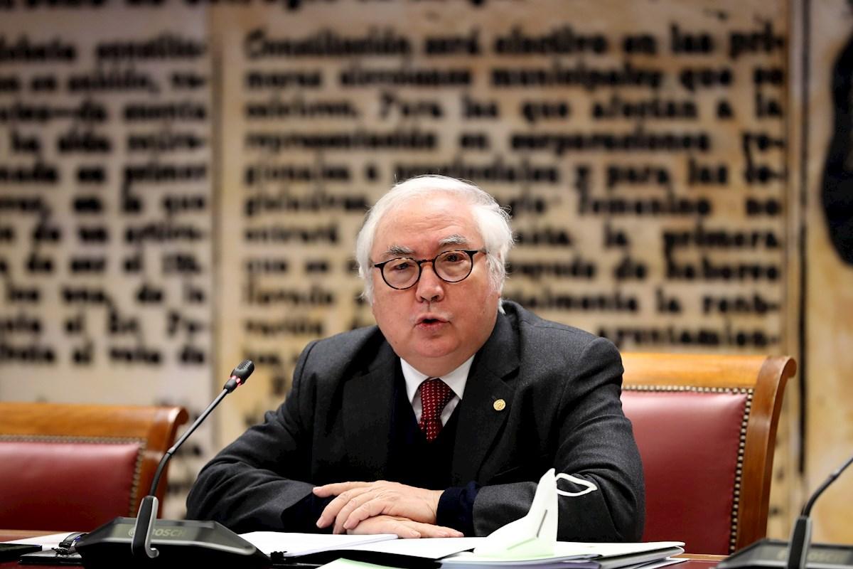 El Ministro de Universidades, Manuel Castells, comparece ente la comisión de Ciencia, Innovación y Universidades, este jueves, en el Senado. EFE/Kiko Huesca