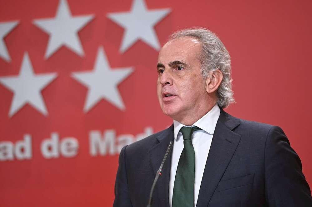 El consejero de Sanidad, Enrique Ruiz Escudero, presenta las medidas preventivas en materia de Salud Pública frente al COVID-19. EFE