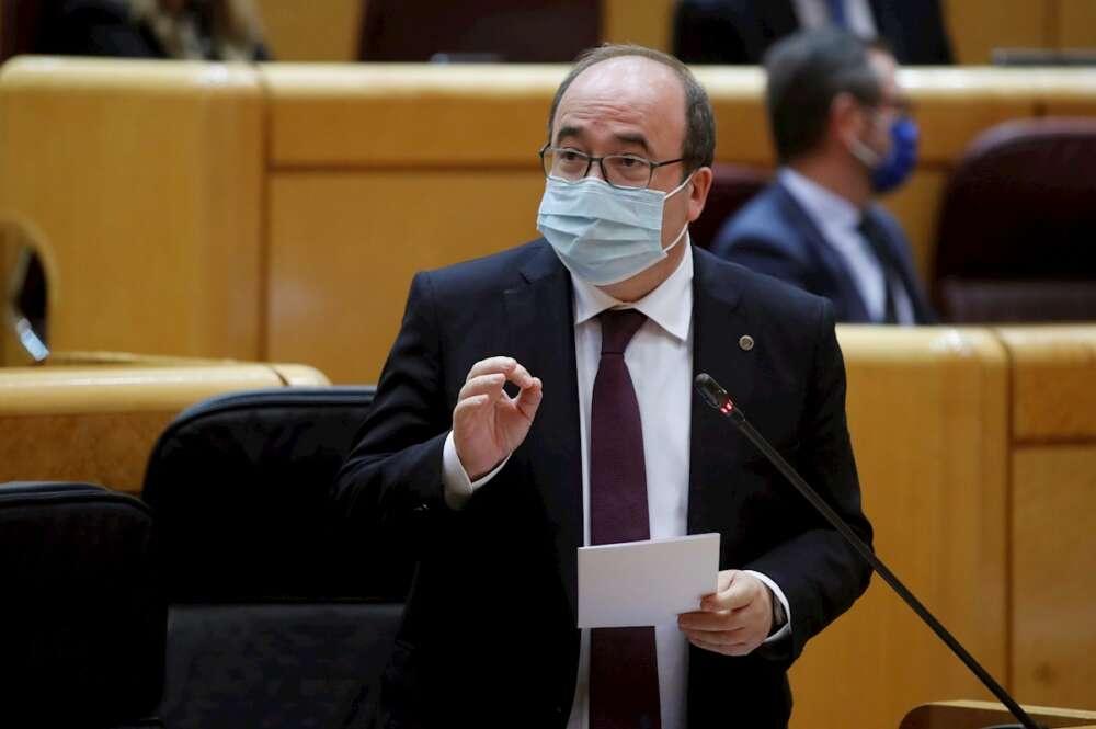 El ministro de Política Territorial y Función Pública, Miquel Iceta, en la sesión de control al Gobierno en el Senado, el 23 de marzo de 2021 | EFE/JCH/Archivo