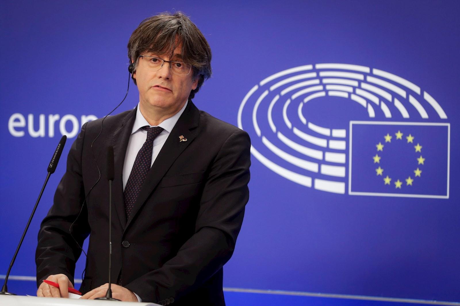 El expresidente catalán y actual eurodiputado, Carles Puigdemont, durante una rueda de prensa tras perder su inmunidad como miembro del Parlamento Europeo, el 9 de marzo de 2021 en Bruselas | EFE/EPA/SL