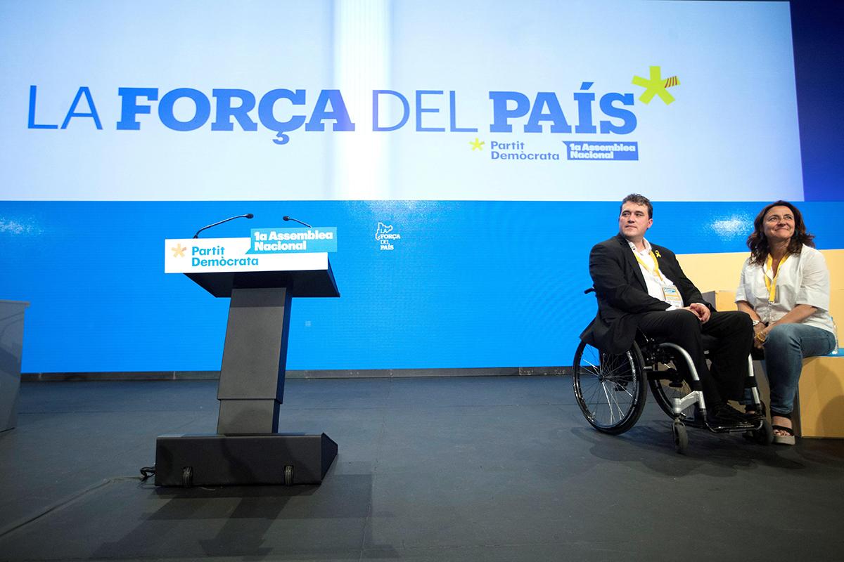 El presidente del PDeCAT, David Bonvehí junto a Mercè Conesa, presidenta del consejo nacional del PdeCat. EFE/Marta Pérez/Archivo