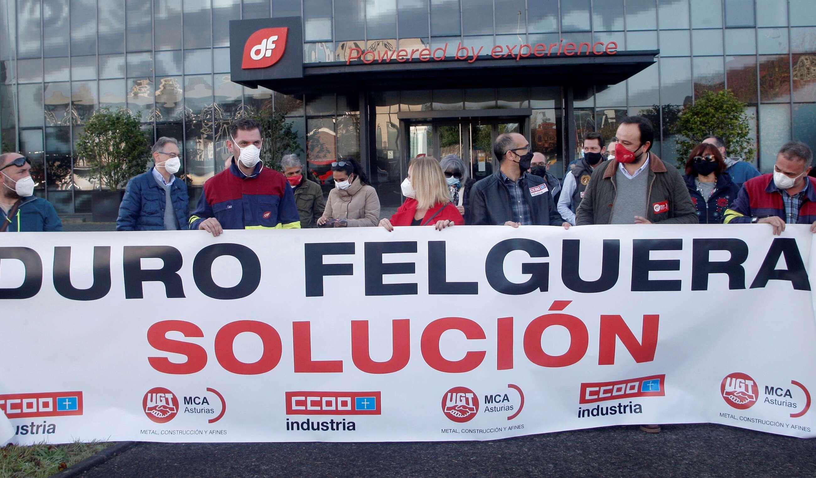 Empleados de Duro Felguera protestan en Gijón en noviembre de 2020. EFE