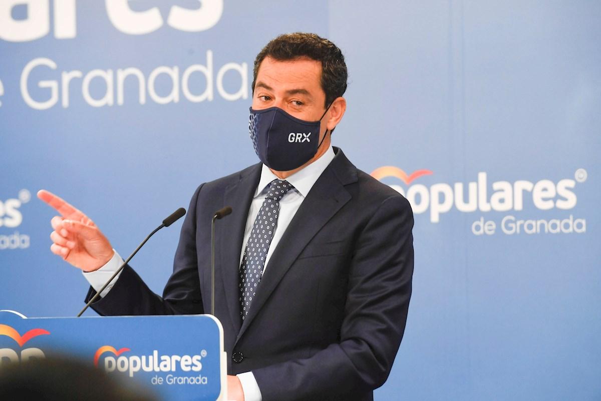 El presidente de la Junta y del PPA, Juanma Moreno en una rueda de prensa. EFE
