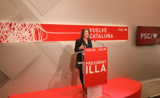 La portavoz del PSC, Alicia Romero, en una rueda de prensa en la sede del partido / PSC
