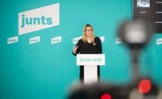 La portavoz de Junts per Catalunya, Elsa Artadi, en rueda de prensa / Julio Díaz
