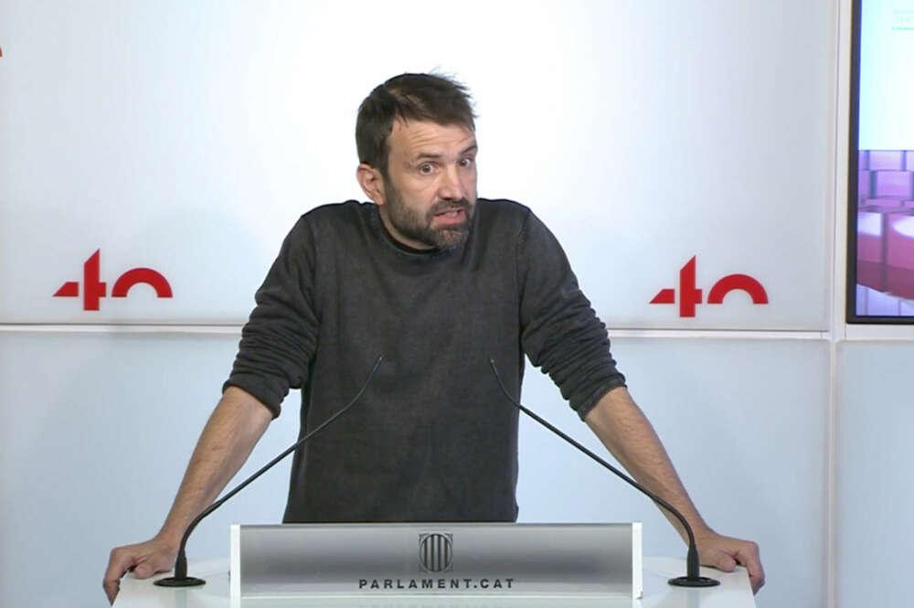 El secretario tercero de la Mesa, Pau Juvillà, en rueda de prensa desde el Parlament / Parlament