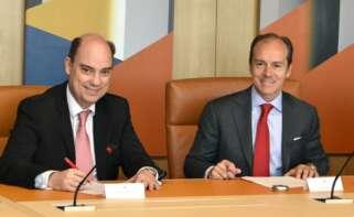 El consejero delegado de Mapfre España, Jose Manuel Inchausti y Santander España, Rami Aboukhair