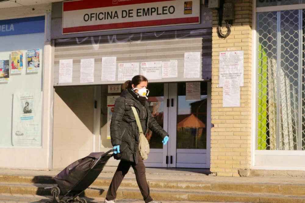 Oficina de empleo. : EFE
