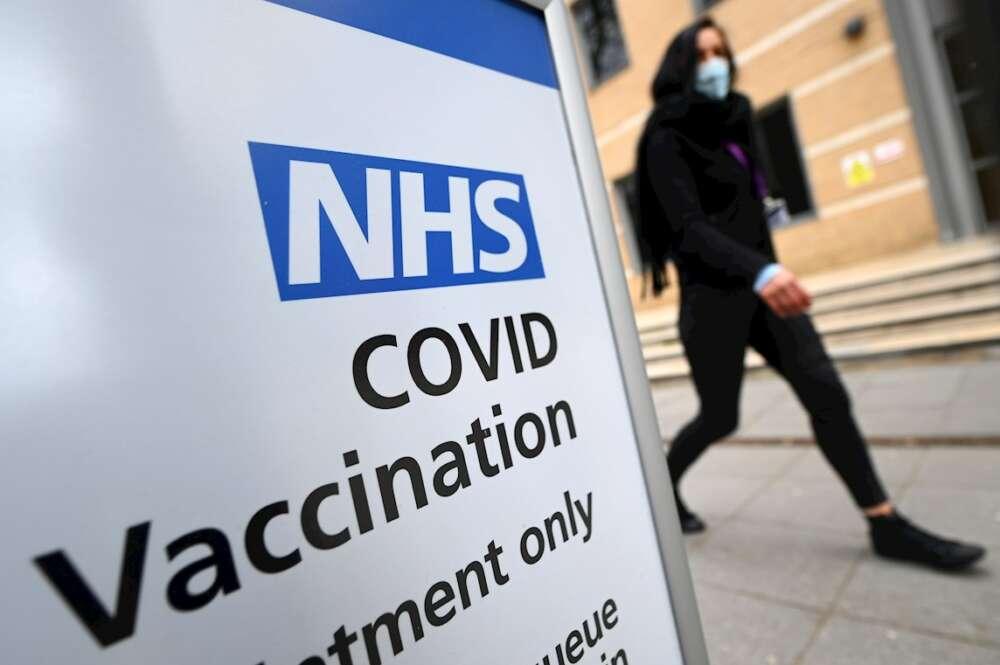 Un centro de vacunación en Londres, el 7 de abril de 2021. Científicos estiman que Reino Unido tendrá inmunidad de grupo contra el coronavirus el 12 de abril   EFE/EPA/AR
