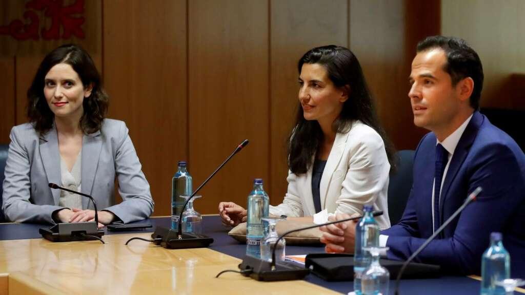 Imagen de archivo de Isabel Díaz Ayuso (PP), Rocío Monasterio (Vox) y el antiguo líder de Cs en Madrid, Ignacio Aguado./ EFE