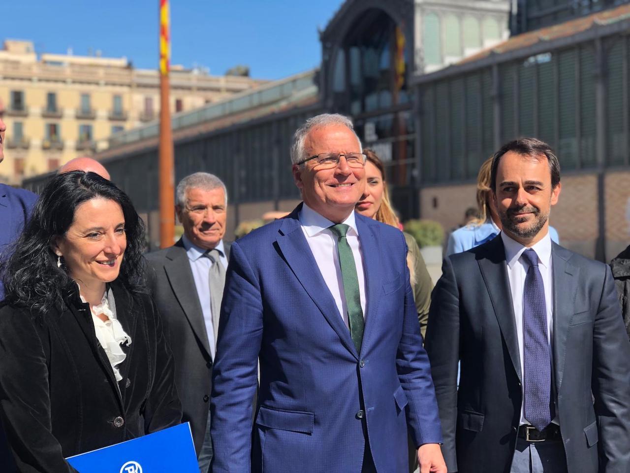 El líder del PP de Barcelona, Josep Bou, junto al concejal Óscar Ramírez / PP