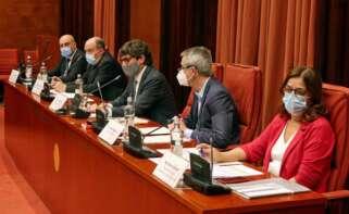 La presidenta en funciones de la CCMA, Núria Llorach (d), el director de Catalunya Ràdio, Saül Gordillo (i), y el director de TV3, Vicent Sanchis (c-d), en la sesión de control a la CCMA / Parlament