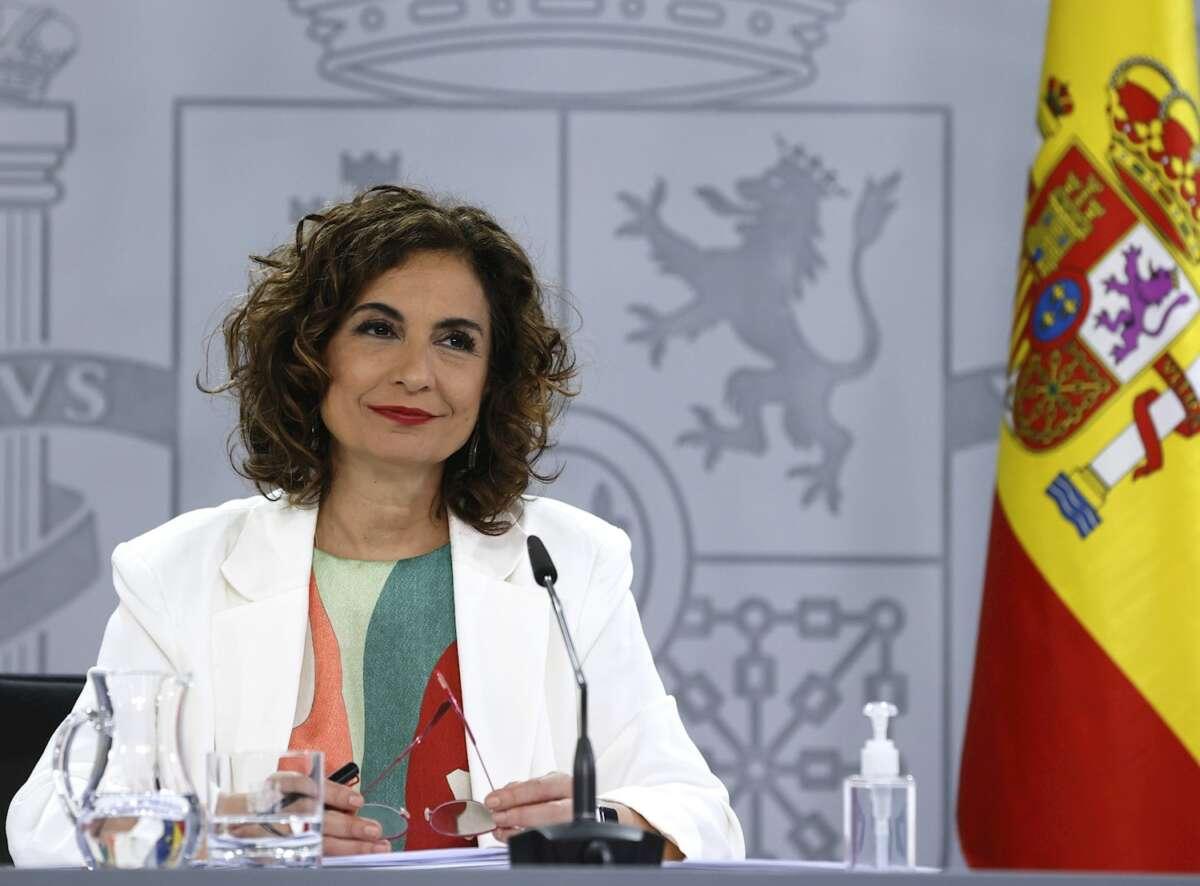 La ministra de Hacienda y Función Pública, María Jesús Montero durante la rueda de prensa ofrecida tras la reunión del Consejo de Ministros en el Palacio de la Moncloa. EFE/ Ballesteros