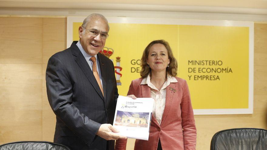 Ángel Gurría y Nadia Calviño. EFE
