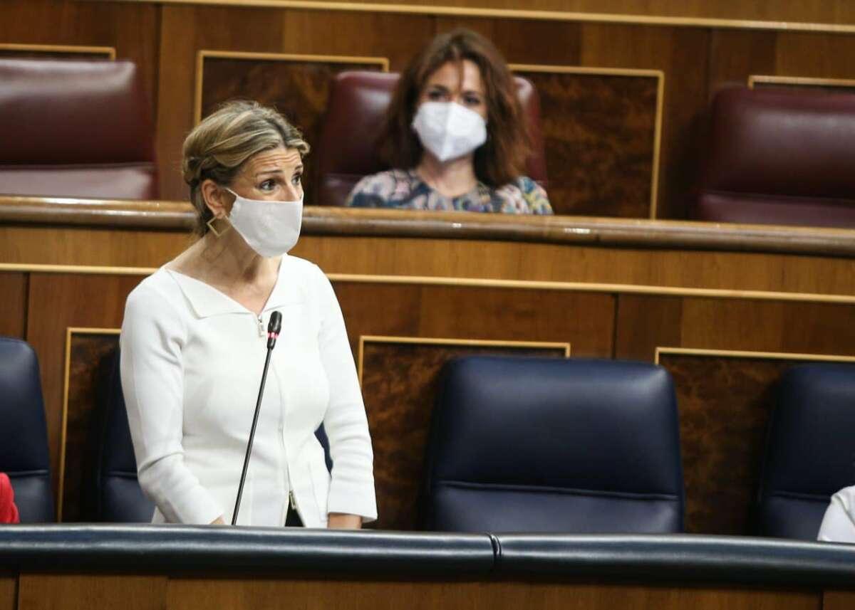 La vicepresidenta tercera, Yolanda Díaz, en una sesión de control al Gobierno.