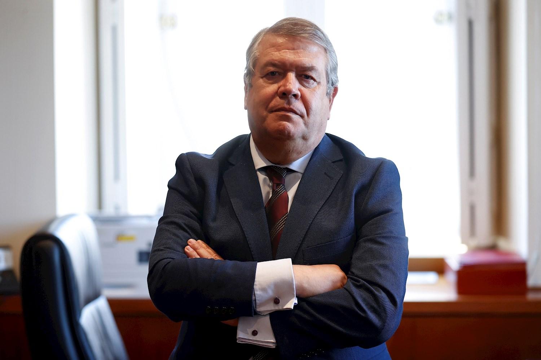 El presidente de la Sala de lo Contencioso Administrativo del Supremo, César Tolosa, durante una entrevista con Efe. EFE/Chema Moya