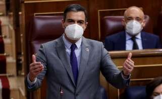El presidente del Gobierno, Pedro Sánchez, durante su intervención en la sesión de control al Ejecutivo de este miércoles en el Congreso, la primera tras el fin del estado de alarma. EFE/ Chema Moya