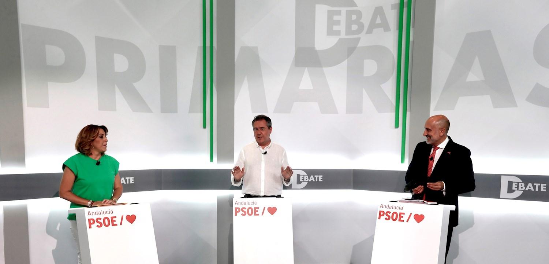 Los candidatos a las primarias del PSOE andaluz, (i-d) Susana Díaz, Juan Espadas y Luis Ángel Hierro, durante el único debate que han celebrado hoy martes antes de elegir al candidato socialista a la presidencia de la Junta de Andalucia. EFE/José Manuel Vidal.