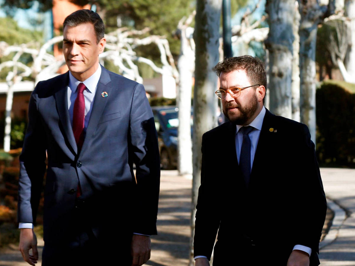 Imagen de archivo de Pedro Sánchez y Pere Aragonès, llegando a la primera reunión de la mesa de diálogo./ EFE