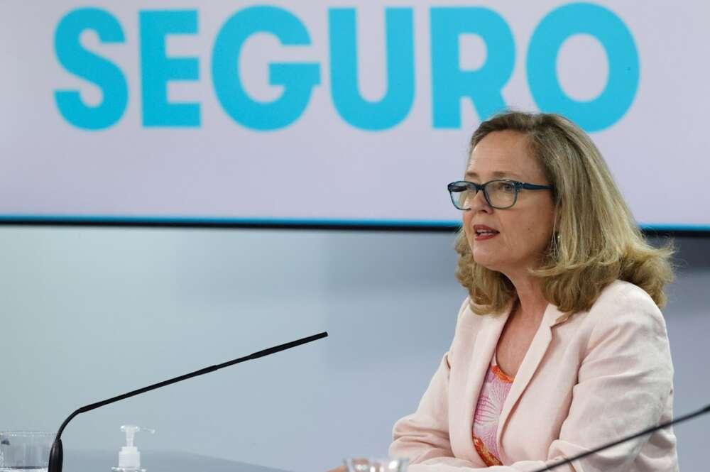 La vicepresidenta segunda, Nadia Calviño, en la rueda de prensa posterior al Consejo de Ministros. EFE