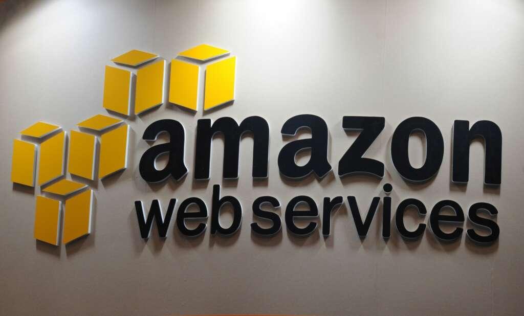 Imagen de un anuncio de Amazon Web Services (AWS). EFE/Everett Kennedy Brown/Archivo